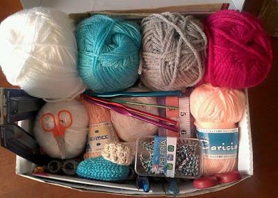 انواع الخيوط المستخدمة في الكروشيه ومقاساتها . انواع الخيوط المستخدمة في الكروشيه ومقاساتها . crochet . تعلم الكروشيه . دروس تعلم الكروشيه