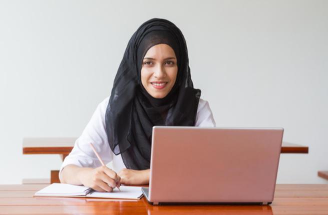 تحتاج المرأة العاملة إلى تنظيم وقتها خاصة في رمضان