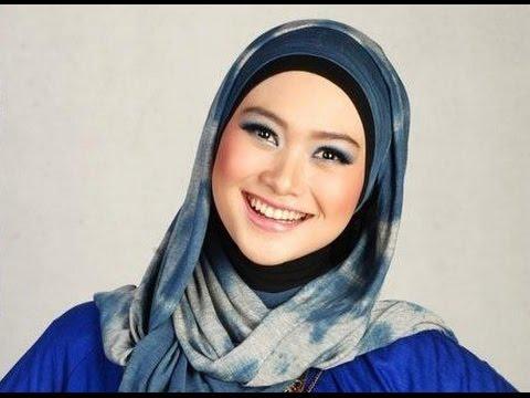 c7541b69cbeb0 تواجه أغلب النساء المحجبات مشكلة نمو الشعر الزائد بمنطقة الجبين التي تغطيها  أكثر الوقت بالحجاب، وهذا الامر يشكل إزعاجا كبيرا لدى الكثيرات.