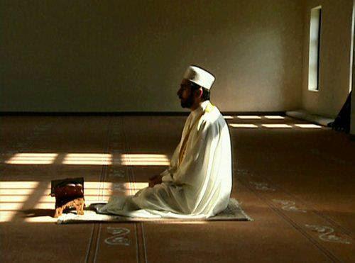 نتيجة بحث الصور عن 25 خطأً شائعاً في الصلاة .. تجنبها