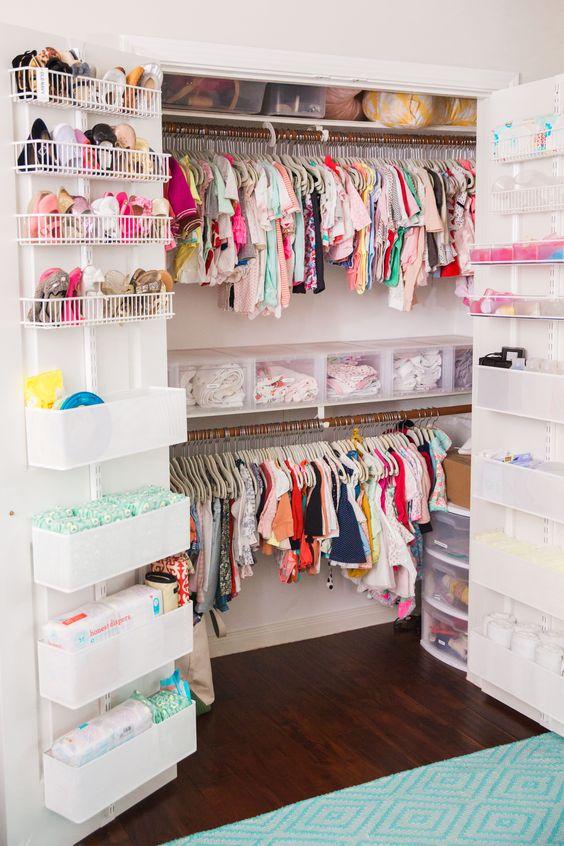 أفكار لترتيب الملابس في غرفة الأطفال