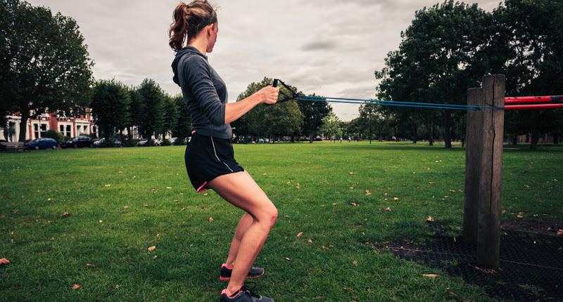 تمارين بناء العضلات و نحت الجسم بحبل المقاومة