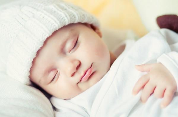 طريقة إيقاظ الأطفال حديثى الولاده