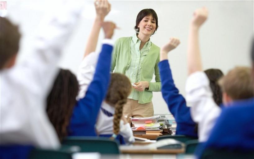 الإتيكيت بين المعلم والطالب
